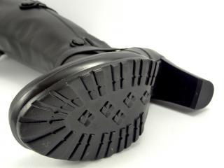 K213 kozačka černá hladká